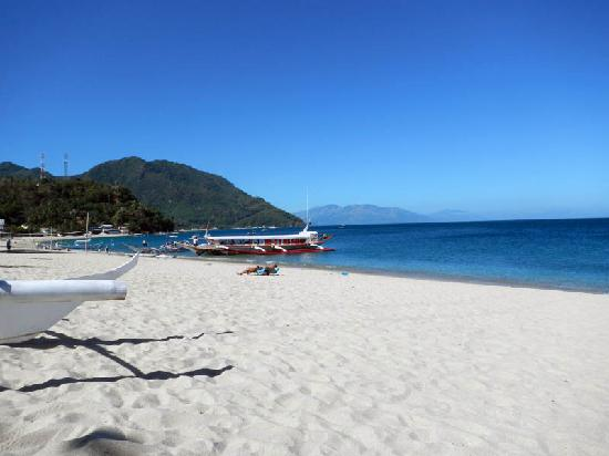 White Beach : The beach