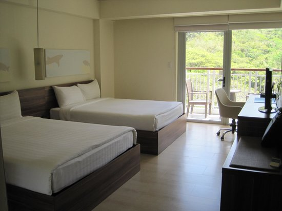 Pico Sands Hotel: 2 huge beds