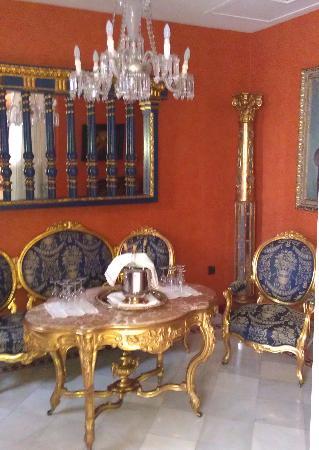 Hotel La Llave de la Jurderia: the lobby