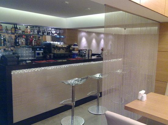 D & B Cafe Restaurant: The dispense bar