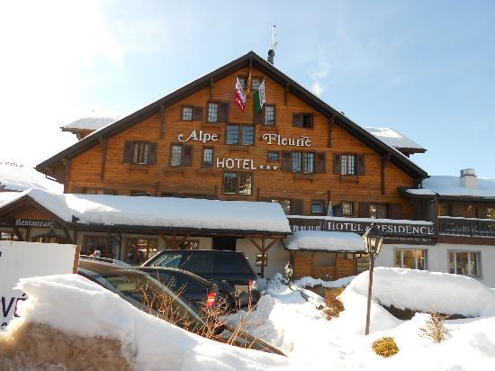 Alpe Fleurie Hotel & Residence: Vista do hotel