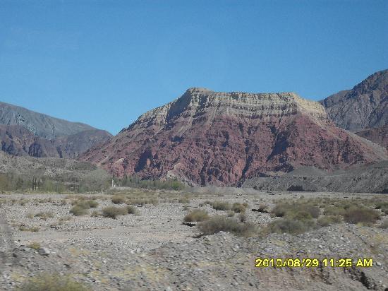 Cerro de los Siete Colores (Berg der sieben Farben): cerro La pollera de la coya
