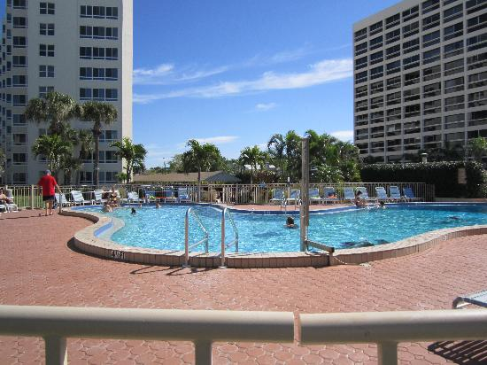 Sarasota Surf and Racquet Club: Sarasota Surf & Racquet Club complex