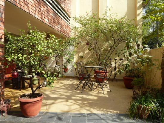 G - 49 Bed & Breakfast: courtyard