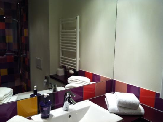 Explorer Hotel Montafon: Badezimmer