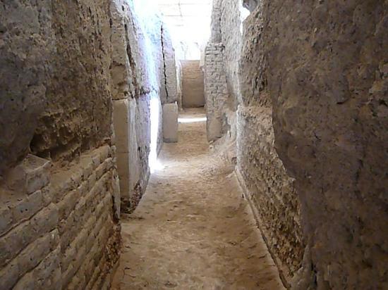 Dura-Europos: Corridoi nelle rovine
