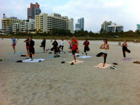 Beach Yoga @ 3rd Street: Great morning practice, wonderful weather. perfect sunrise