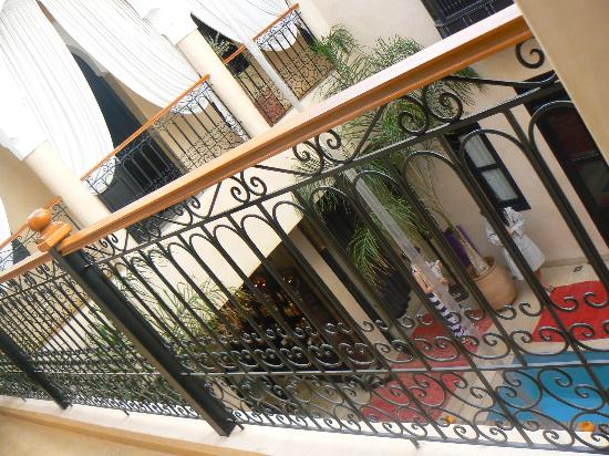 Mythic Oriental Spa: riad courtyard