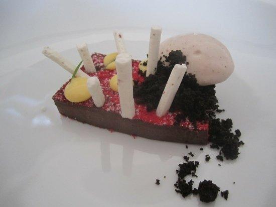 Marque: stunning chocolate dessert