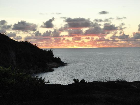 Bay View Villa: coucher de soleil