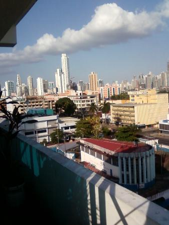 Bahia Suites Hotel: Looking Over Panama City From Bahia Suites