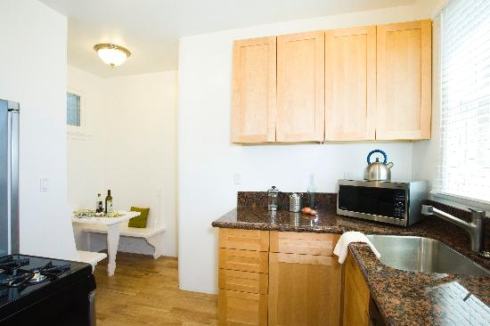 Venice Admiral Suites: Ocean View Studio Kitchen