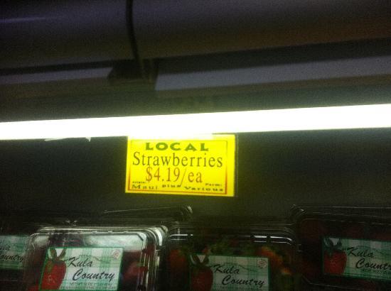 Mana Foods : Kula Strawberries