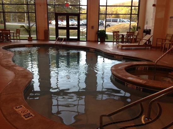 Twin Falls State Park: Indoor pool and hot tub