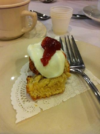 Foody Field Trips : scone sampling during the tour- cream and jam with a delectable scone, mmm!