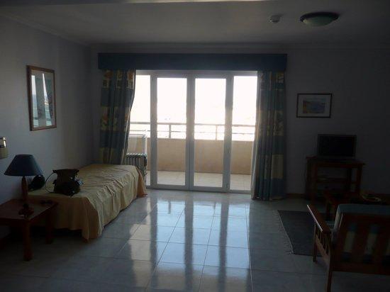 Apartamentos Jardins da Rocha: balcony of living room