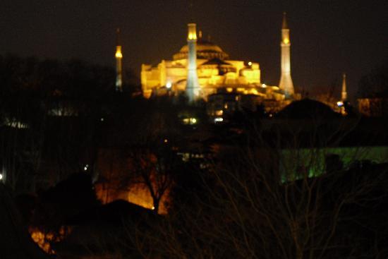 Hotel Sultania: Aya Sophia depuis le restaurant au repas du soir
