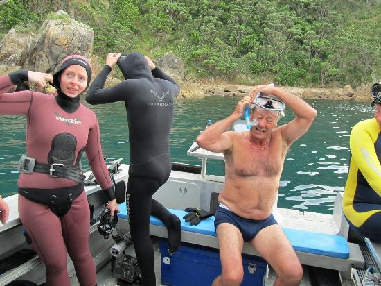 Oceandiversity Sea Adventures: Preparations for the dive
