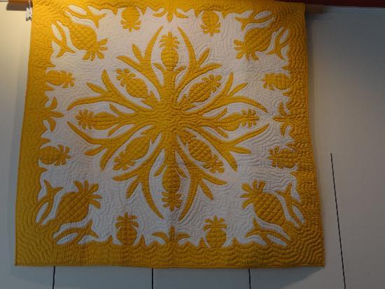 Yellow mustard color hawaiian quilt picture of hawaiian quilt