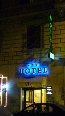Hotel RomAntica: Façade de l'hotel