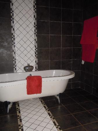 Ama Zulu Guesthouse: Our bathroom