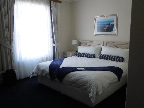 Simon's Town Quayside Hotel and Conference Centre: our room