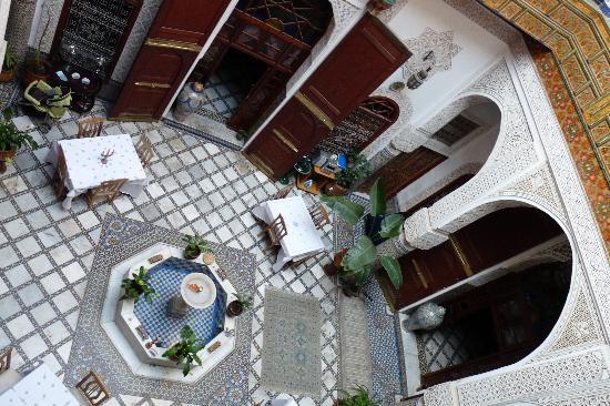 Riad Sara: il cortile dal 1° piano