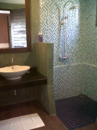 Anda Lanta Resort: La très belle et fonctionnelle salle de bains