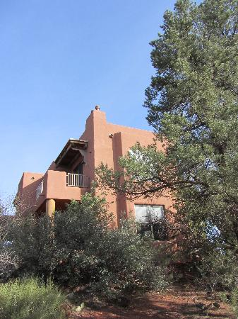 Alma de Sedona Inn Bed & Breakfast : Romantic Reflections on the ground level