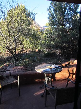 Alma de Sedona Inn Bed & Breakfast: Romantic Reflections - patio