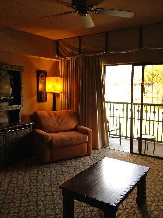 Disney's Animal Kingdom Villas - Kidani Village: Living area