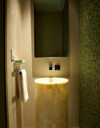 The St. Regis Mexico City: Contemporary Mexican design Powder room