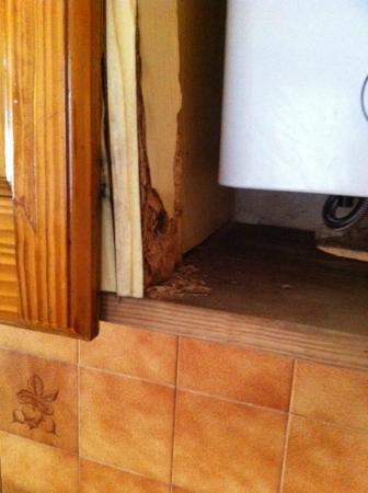 Bungalows Romandi: Boiler Cabinet