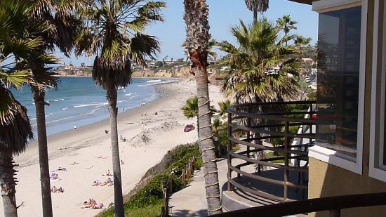 Pacific Terrace Hotel: 2 balconies overlooking the beach and ocean