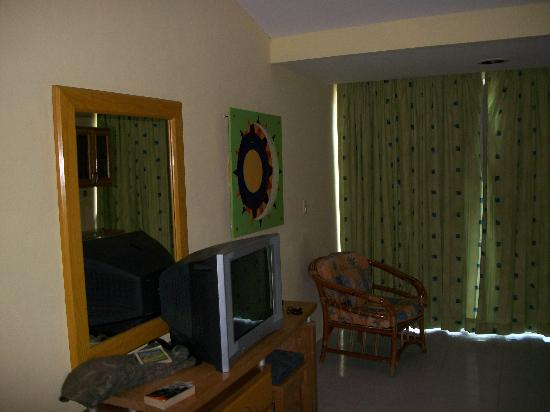 Solymar Cancun Beach Resort: living area