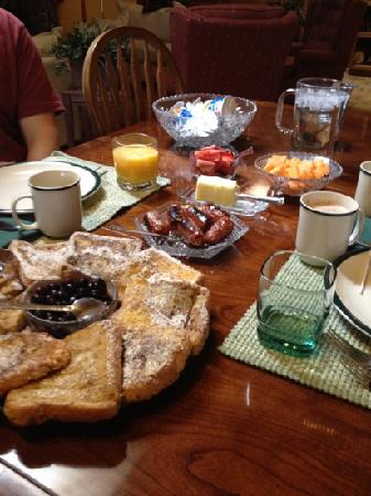 Lodge at Pine Cove: French toast, sausage, fruit...
