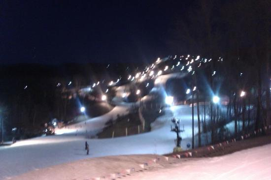 Winterplace Ski Resort: Winterplace at night