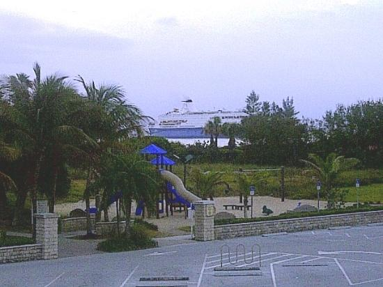 SeaSpray Inn Beach Resort: Early Saturday we could see a cruise ship heading in to the Port of Palm Beach