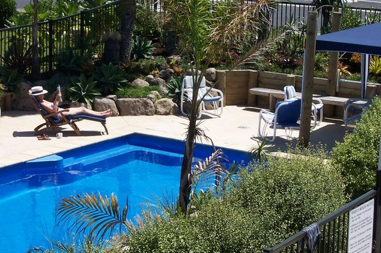 Snells Beach Motel: swimming pool