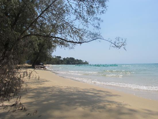 Freedomland Phu Quoc Resort: Hire a scooter off Peter, explore, find beautiful beach, swim in warm, clear water.