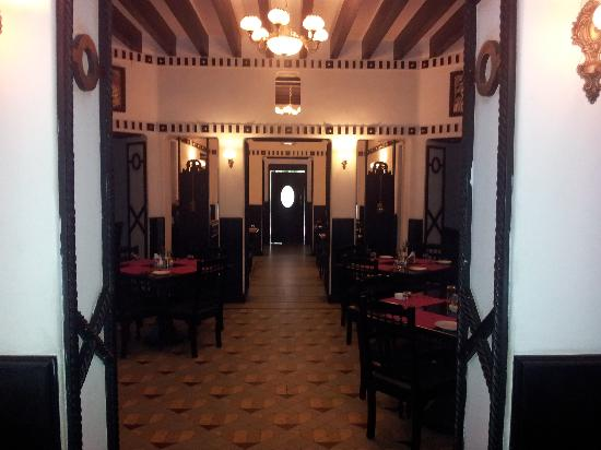 AMS Raj Palace Sundar: Restaurant @ Raj Palace