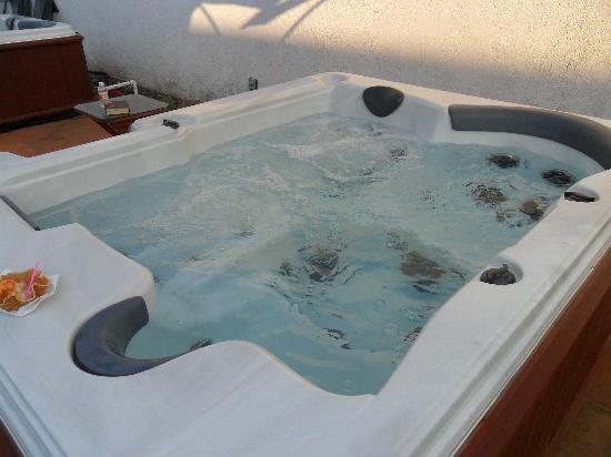 Colibri Hotel B&B: Hydrotherapy tub