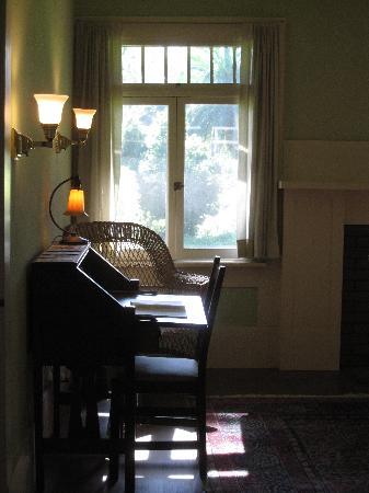 Marston House Museum : an upper floor bedroom