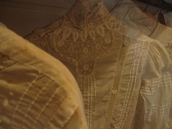 Marston House Museum : antique dresses in closet
