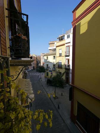 Conde de Torrejon 10 : Street view west, Apt #5, Conde de Torrejón 10