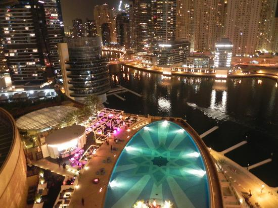 Address Dubai Marina: The view from our room at night