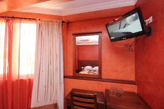 Anjary Hotel : TV
