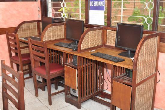 Anjary Hotel : Internet
