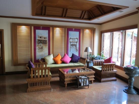 Fresh Inn Hotel : Comfortable Lobby