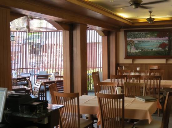Fresh Inn Hotel : Good Restaurant